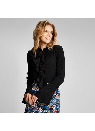 Vekem-Limited Edition Yarım Balıkçı Yaka Kolları Volanlı Drape Detaylı Bluz Siyah